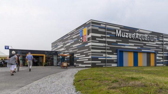 Het MuzeeAquarium in Delfzijl vanaf de buitenkant gefotografeerd.