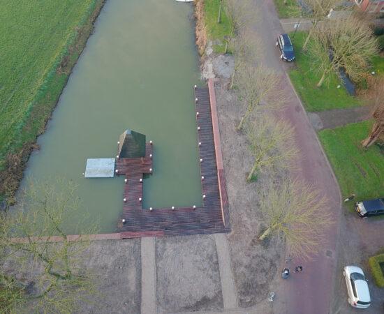 Dronefoto van het nieuwe haventje in Huizinge