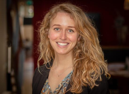 Portretfoto van Tessa van Roon