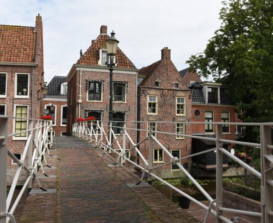 Decoratieve afbeelding van een brug in Appingedam